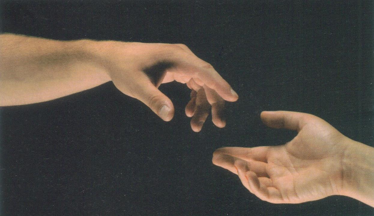le crucifié nous tend la main